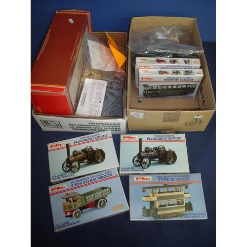 137 - Hornby Railways R179 Grand Suspension Bridge, various kit models, boxed Keil Kraft Classic model kit...