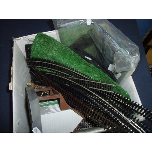 146 - Selection of OO gauge accessories including buildings, track, scenery etc...