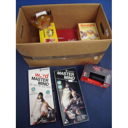 165 - Boxed Pelham Puppet and various vintage boxed games including Word Mastermind, Boggle etc...