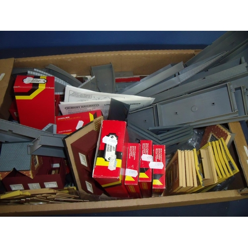 173 - Large selection of Hornby OO gauge  accessories including buildings, platforms, platform shelters, s...