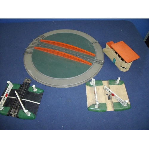 217 - Collection of Hornby Dublo railway items, including turn tables, signal box and two level crossings...