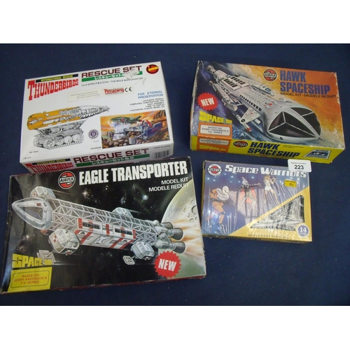 223 - Collection of model kits (some unmade) including Airfix Hawk Spaceship, Airfix Eagle Transporter, In...