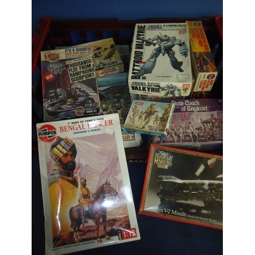 225 - Large selection of mostly unmade boxed Airfix and other model kits of various subjects including Ben...