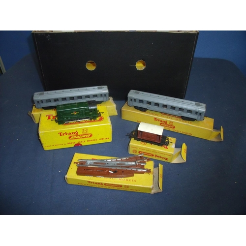 275 - Quantity of Tri-ang TT gauge railway accessories including track, rolling stock, carriages, 0-6-0 Di...