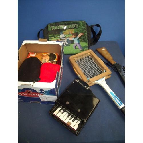 306 - Minecraft bag, model piano, vintage tennis racket, toy Western style gun etc...