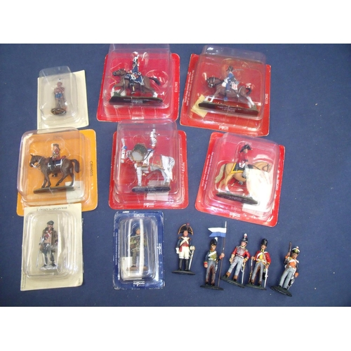 318 - Five boxed and sealed Del Prado Napoleonic era mounted cavalry figures, six unmounted figures, anoth...
