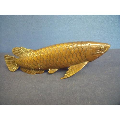 90 - Modern bronze figure of a carp fish (length 28cm)...