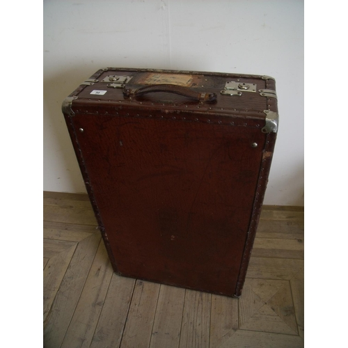 50 - Vintage brown leather bound Vaskan of Stockholm travelling trunk with fitted interior (50cm x 76cm x...
