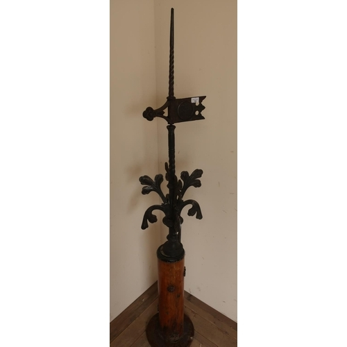 12 - Late Victorian wrought and cast iron weather vein numbered 87 on the flag (overall height 168cm with...