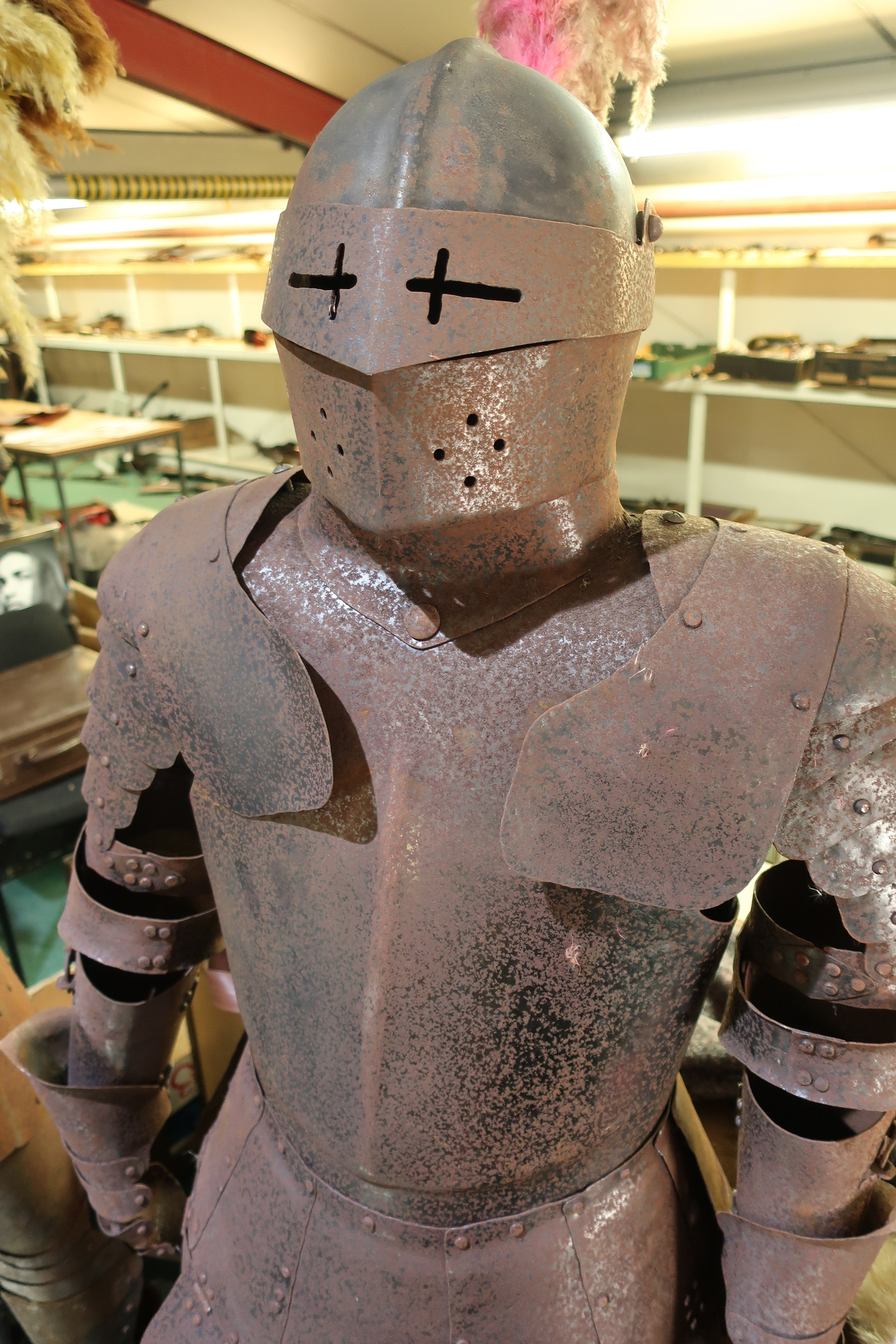 Reproduction steel Suit of Armour with enclosed visor helmet