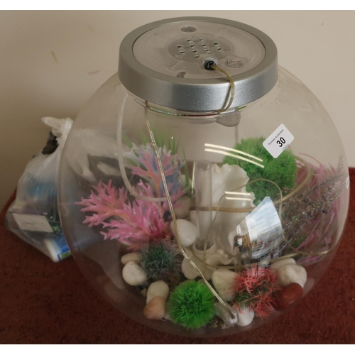 30 - Globe Bi-Orb with a large quantity of various accessories...