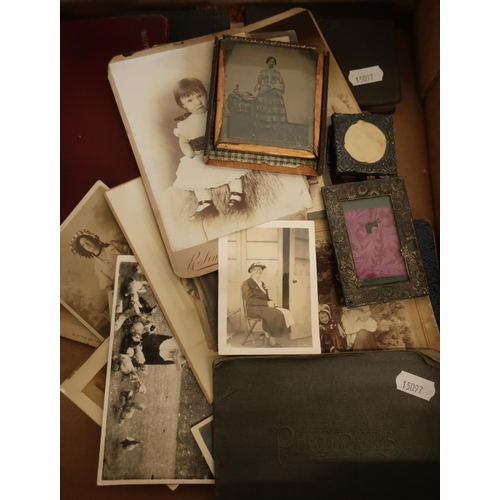 392 - Selection of Victorian and later photographs, a framed Daguerreotype photograph etc...