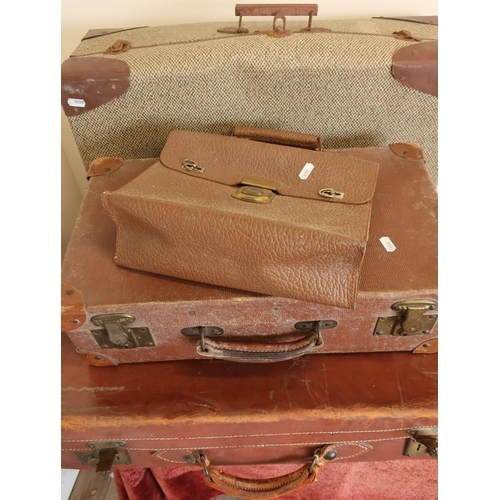134 - Selection of various leather and other vintage suitcases and luggage...