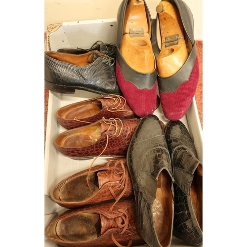 161 - Five pairs of quality vintage gentlemans shoes and slippers including crocodile skin, half leather a...