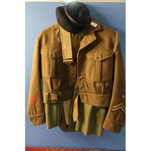31 - British Army uniform comprising of shirts, over shirt and battle dress blouse 1949 pattern dated 195...