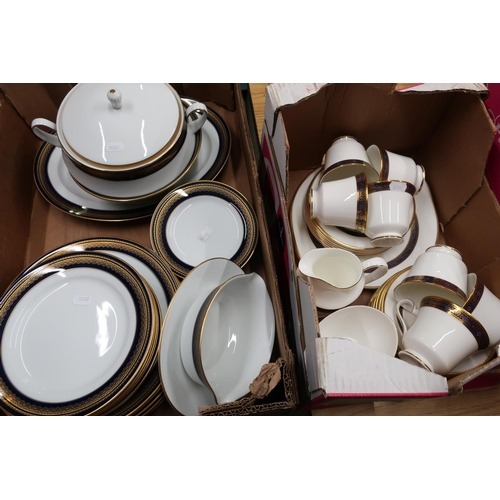 34 - Royal Doulton 'Harlow' No.H5034 tea service (6 place settings) and a Noritake 'Vienna' No.2796 dinne...