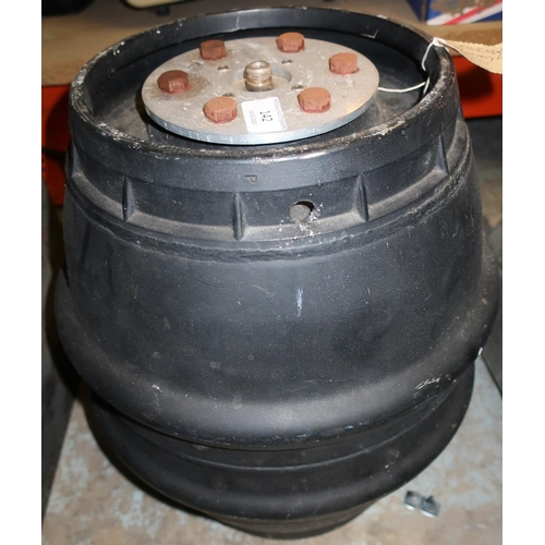 142 - 5kg dummy load (height 41cm)...