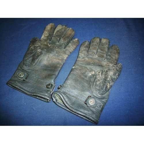 318 - Pair of German Airforce leather gloves...