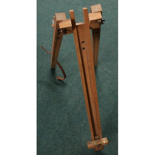 21 - Folding artist wooden easel...