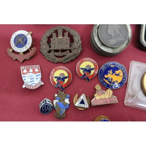 32 - Collection of enamel and other badges including 1950's - 60's Butlins, Filey etc, two Aldershot Comm...