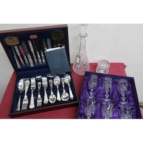 4 - Canteen of Viners Kings Royale pattern silver plated cutlery for 8 people (58 pcs), set of six Edinb...