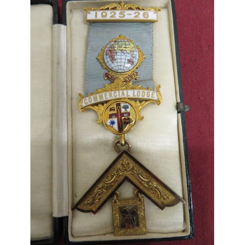 34 - 9ct hallmarked gold and enamel Past Master's Masonic Jewel for Commercial Lodge No. 3628, inscribed ...