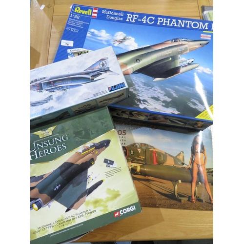 76 - Revell RF-40 C Phantom 1/32 model, Aviation Archive Unsung Hero's of a F4 C Phantom, model of RF-4C ...