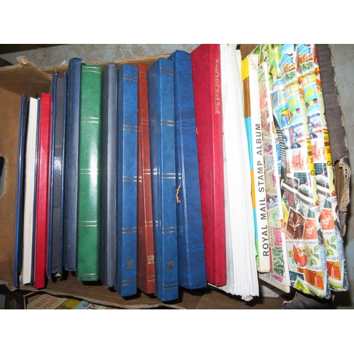 470 - Mixed world stamps, stock books (QTY)...
