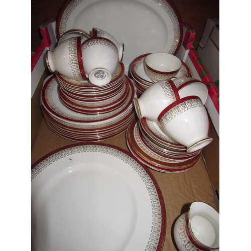 112 - Collection of Royal Grafton Majestic pattern dinner and tea ware (50), a collection of Lilliput lane...