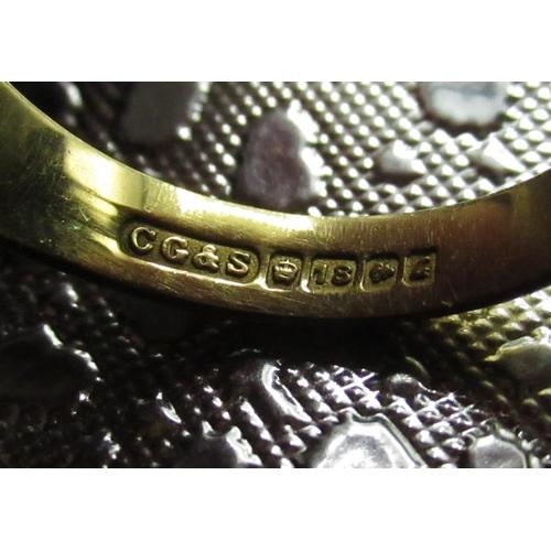 128 - Gents 18ct gold hallmarked signet ring, initialed JM, 9.1g...