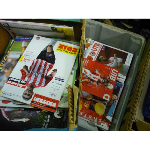 173 - Collection of mainly Sheffield United post 1990's football programmes...