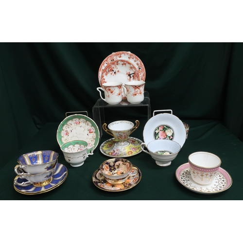 33 - Collection of assorted teacups and saucers by Davenport, Paragon and Royal Crown Derby (10 x teacups...