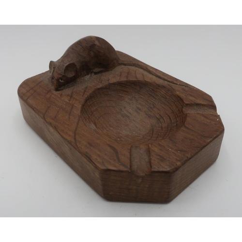 1016 - Robert Mouseman Thompson - adzed oak ashtray with carved signature mouse, D10cm