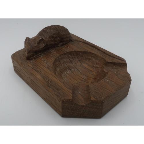 1033 - Robert Mouseman Thompson - adzed oak ashtray carved with signature mouse D10cm