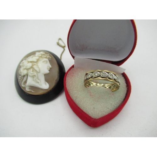 20 - 9ct gold hallmarked facet cut full hoop spinel eternity ring and a cameo brooch (2)...
