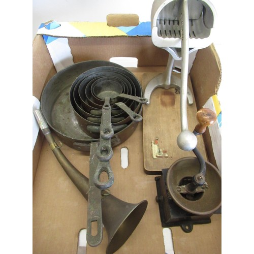 474 - Collection of vintage kitchenalia including graduating cups, a coffee grinder and a juicer