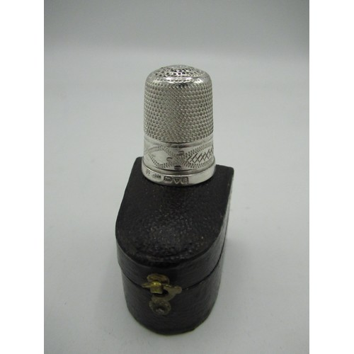 455 - Boxed silver thimble with hallmark 1902 by Charles Horner