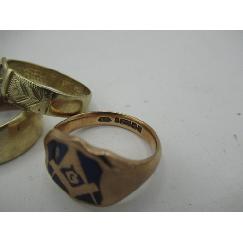 6 - 9ct gold hallmarked signet ring with enamelled masonic emblem Size R, gross 8g. 9ct gold hallmarked ...