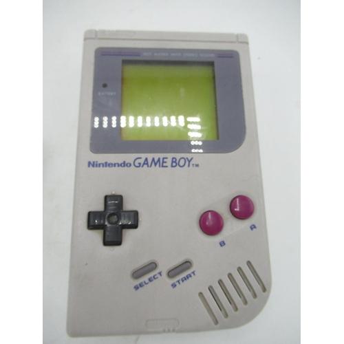 39 - Nintendo Game Boy with Tetris game