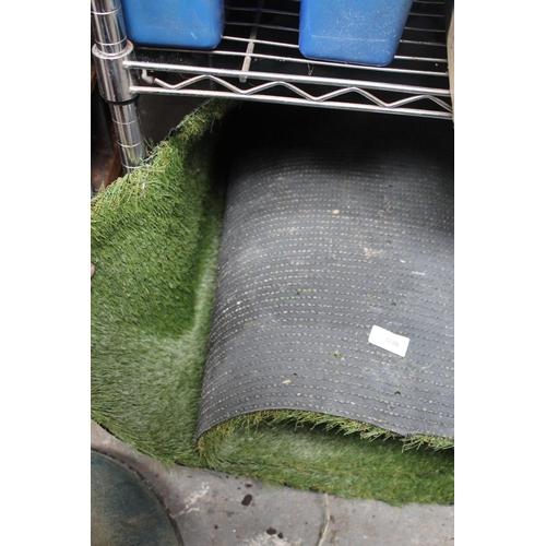 36 - ROLL OF ARTIFICIAL GRASS