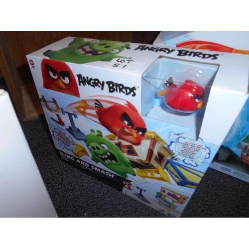 51 - Angry Birds Smash Em toy...
