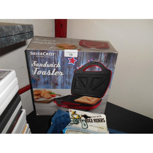 15 - Boxed sandwich toaster...
