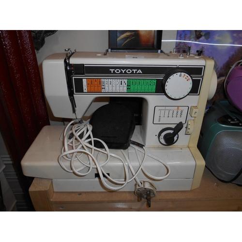 45 - Toyota retro electric sewing machine...