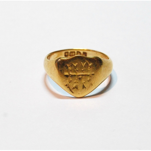 19 - 18ct gold signet ring, monogrammed, size Q, 6.6g....
