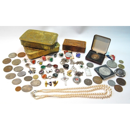 49 - Two Great War brass tobacco tins, 1914, Dumfries and other church tokens, silver multi-gem bracelet,...