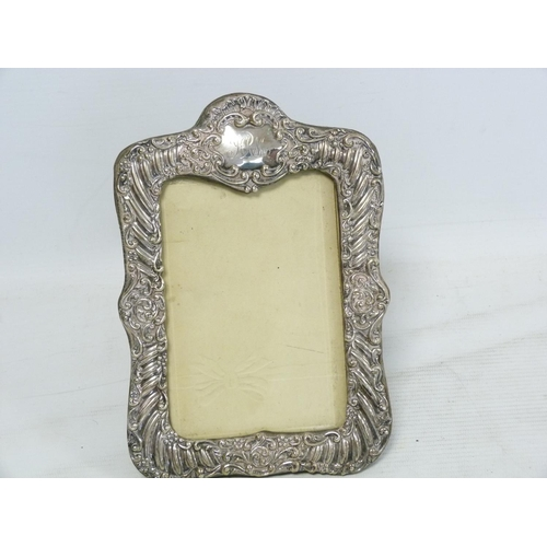 7 - Silver mounted photo frame for image 13cm x 19cm, Chester 1901....