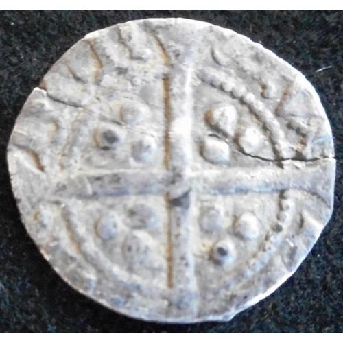 28 - England. Hammered silver halfpenny. Henry V. 1413-22. (SC 1795)....