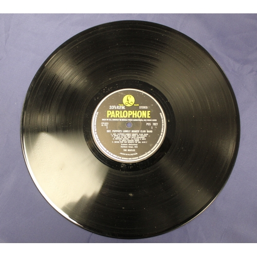 16 - The Beatles, Sgt Pepper 1st UK stereo pressing with cut outs. Matrix: Side 1 YEX 637-1, Side 2 YEX 6...