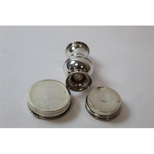 52 - Silver bun pepper and two circular boxes. 4oz....