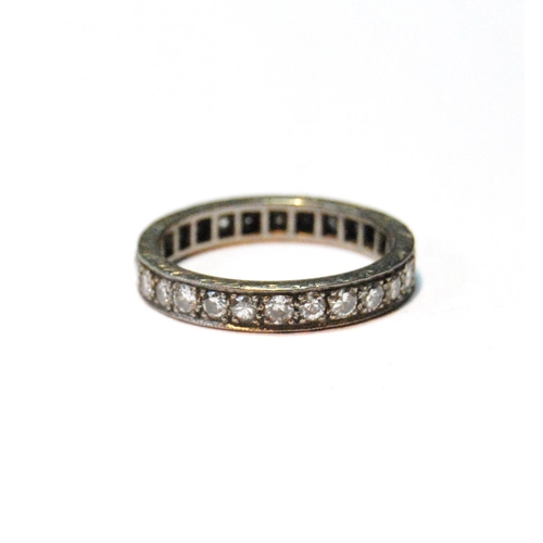 15 - Diamond eternity ring with brilliants, in white gold, size P....